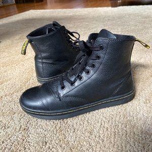 Women's Dr. Martens Leyton boots, Size 6
